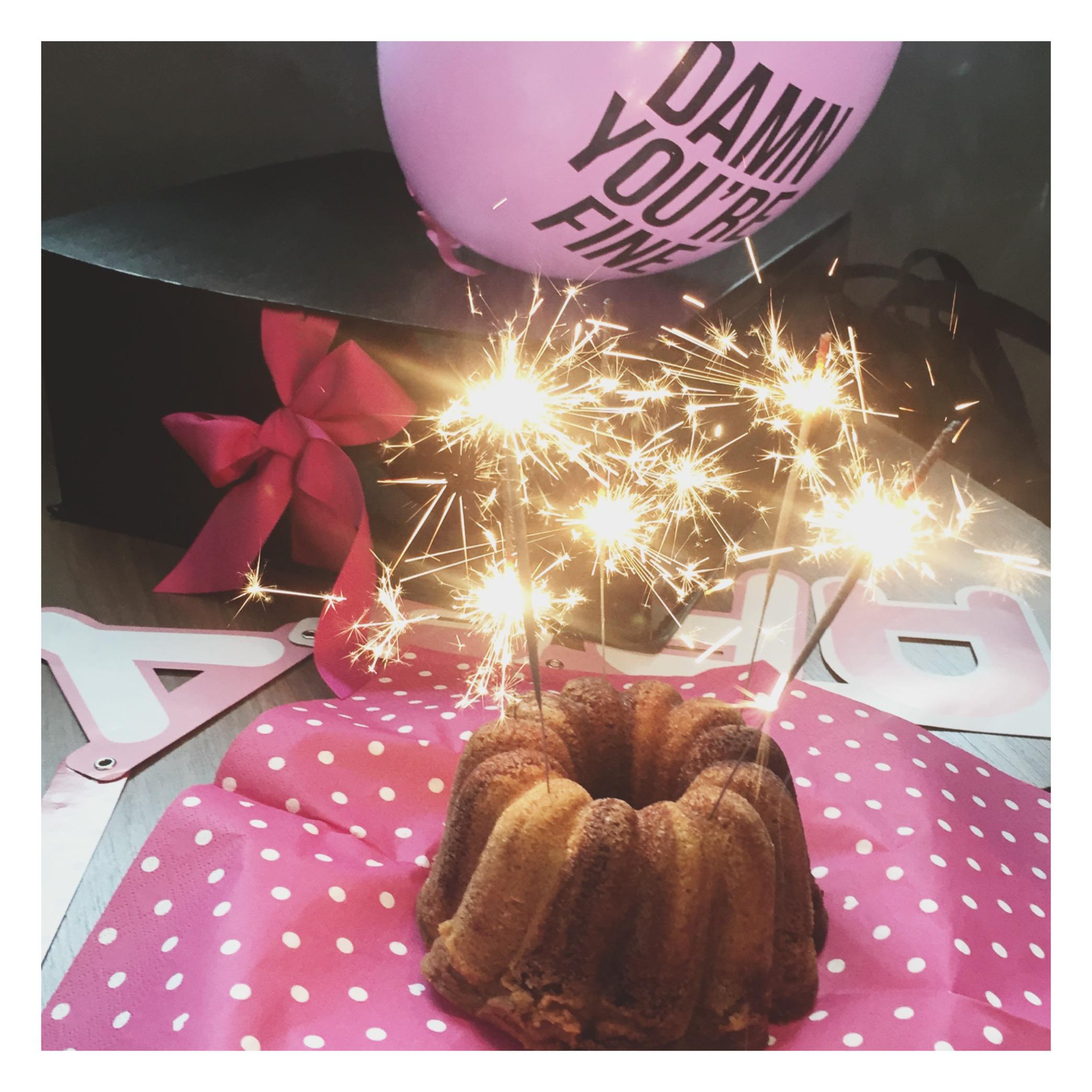 Geburtstagstisch Pink weiß