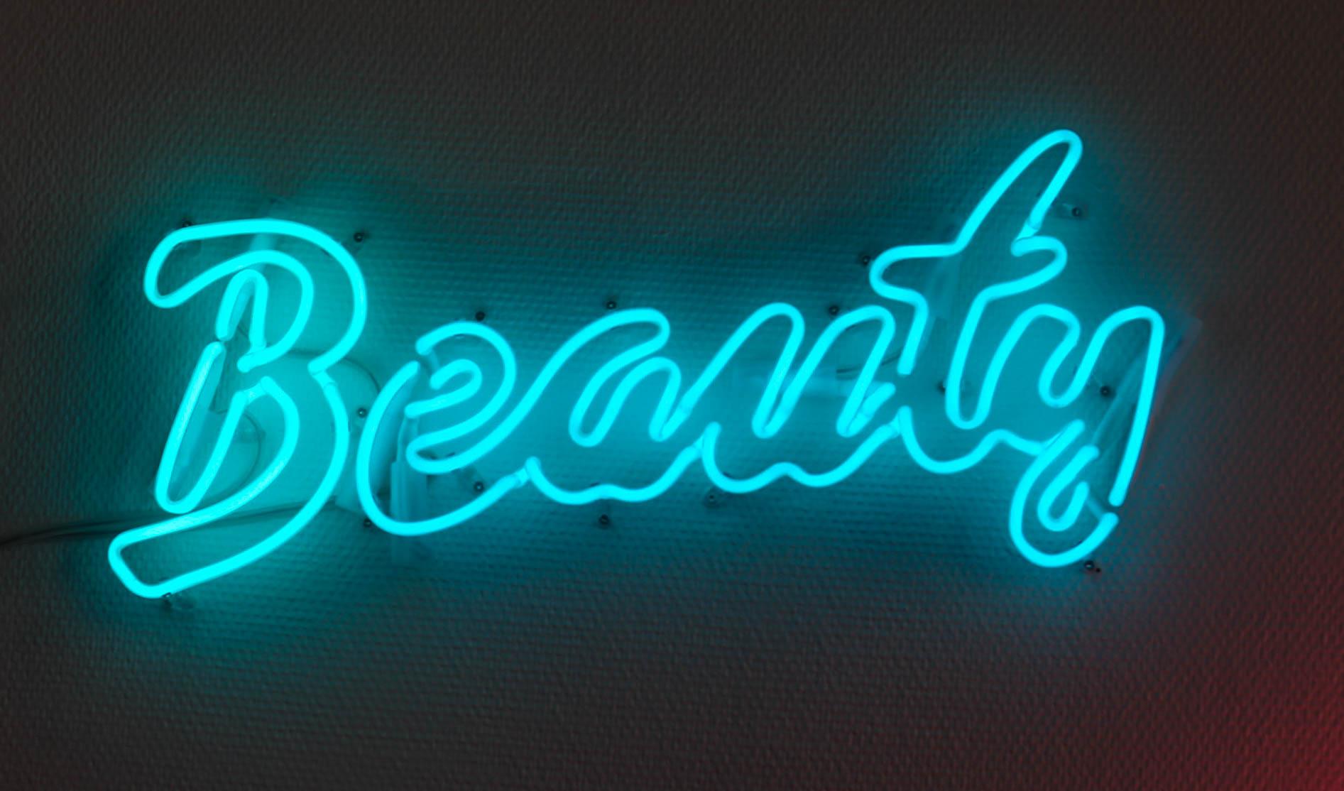 Neonröhre Blau Beauty, Neonlicht Schriftzug blau, Douglas