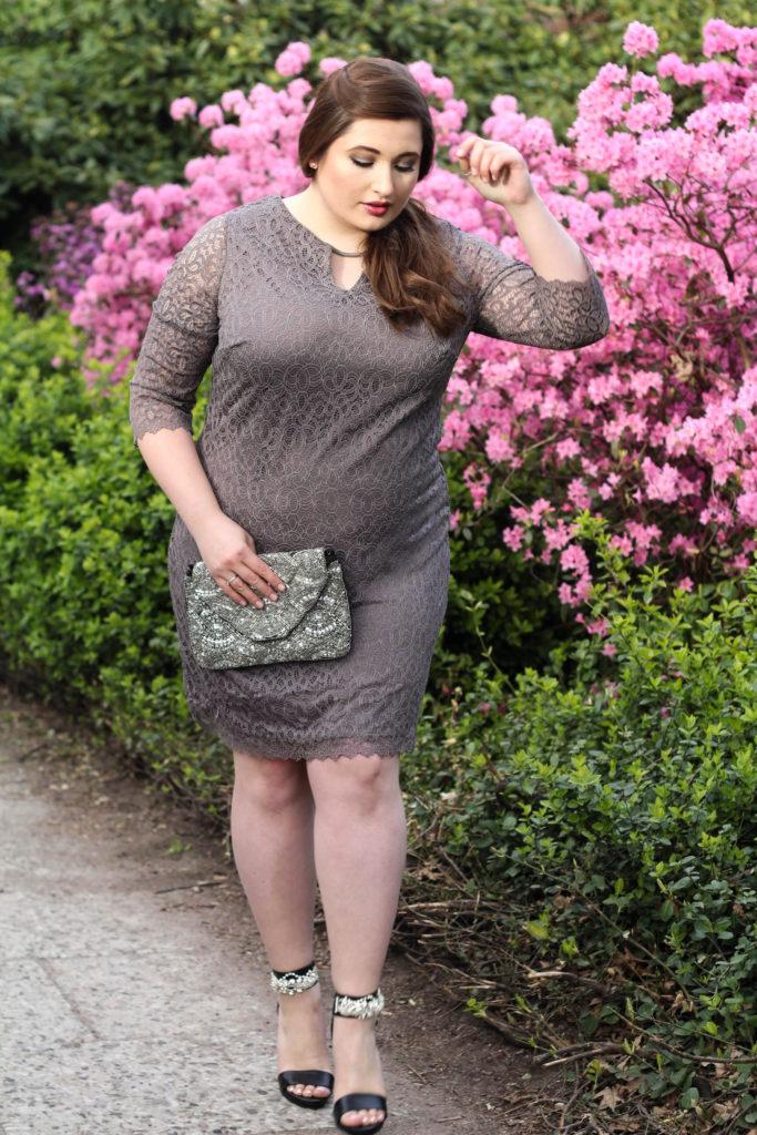 Plus Size Fashion, Hochzeitsgast Outfit für kurvige Frauen