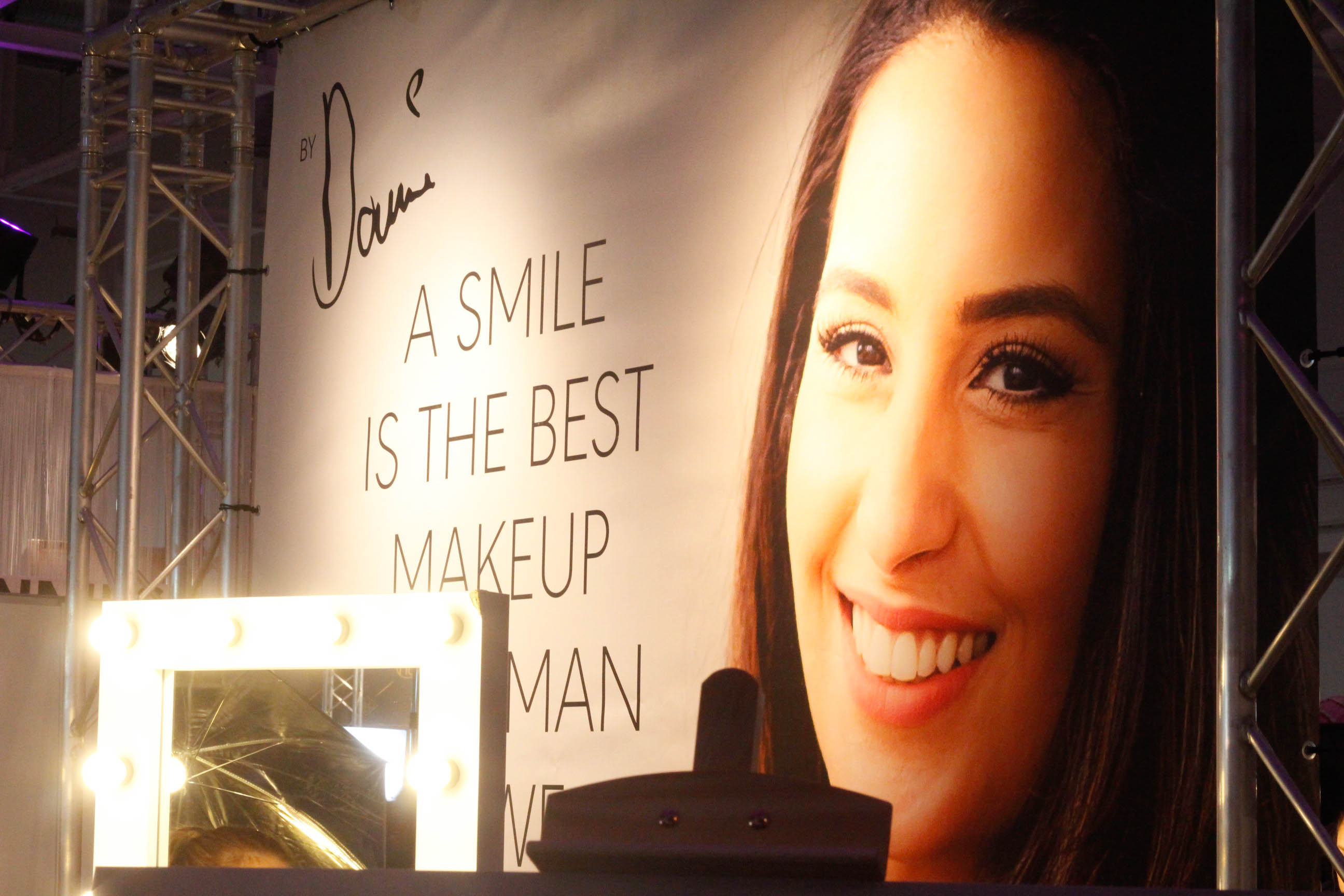 Lancome Messestand Glow Convention Hannover - Dounia Slimani Stand