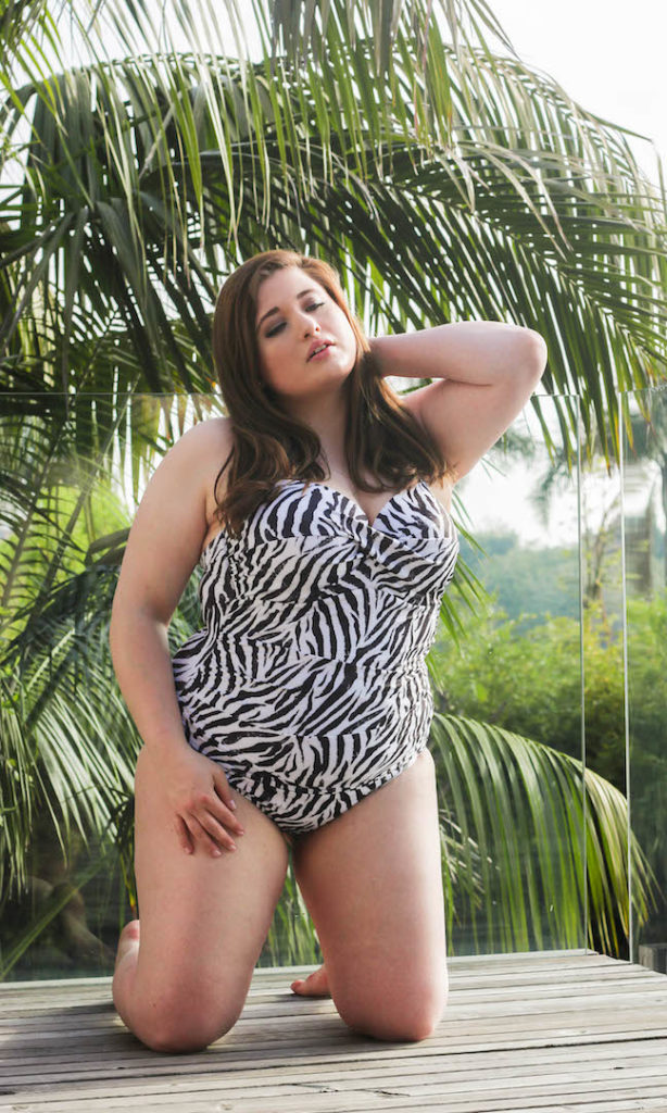 Plus Size Model Blogger Bikini Swimsuit Hamburg Deutschland Sizilien Palmen Tropen