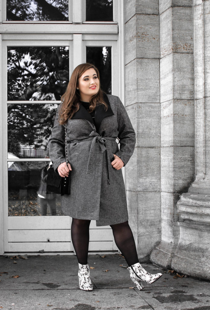 Plus_Size_Mantel_Inspiration_online_shopping_Blogger_Tipps_Plus_Size_Beauty_Karo_Trend_Vichy_Muster_Tartan_Outfit_Inspiration_Herbst_kurvige_Bloggerin_Lifestyle_Blog_Deutschland