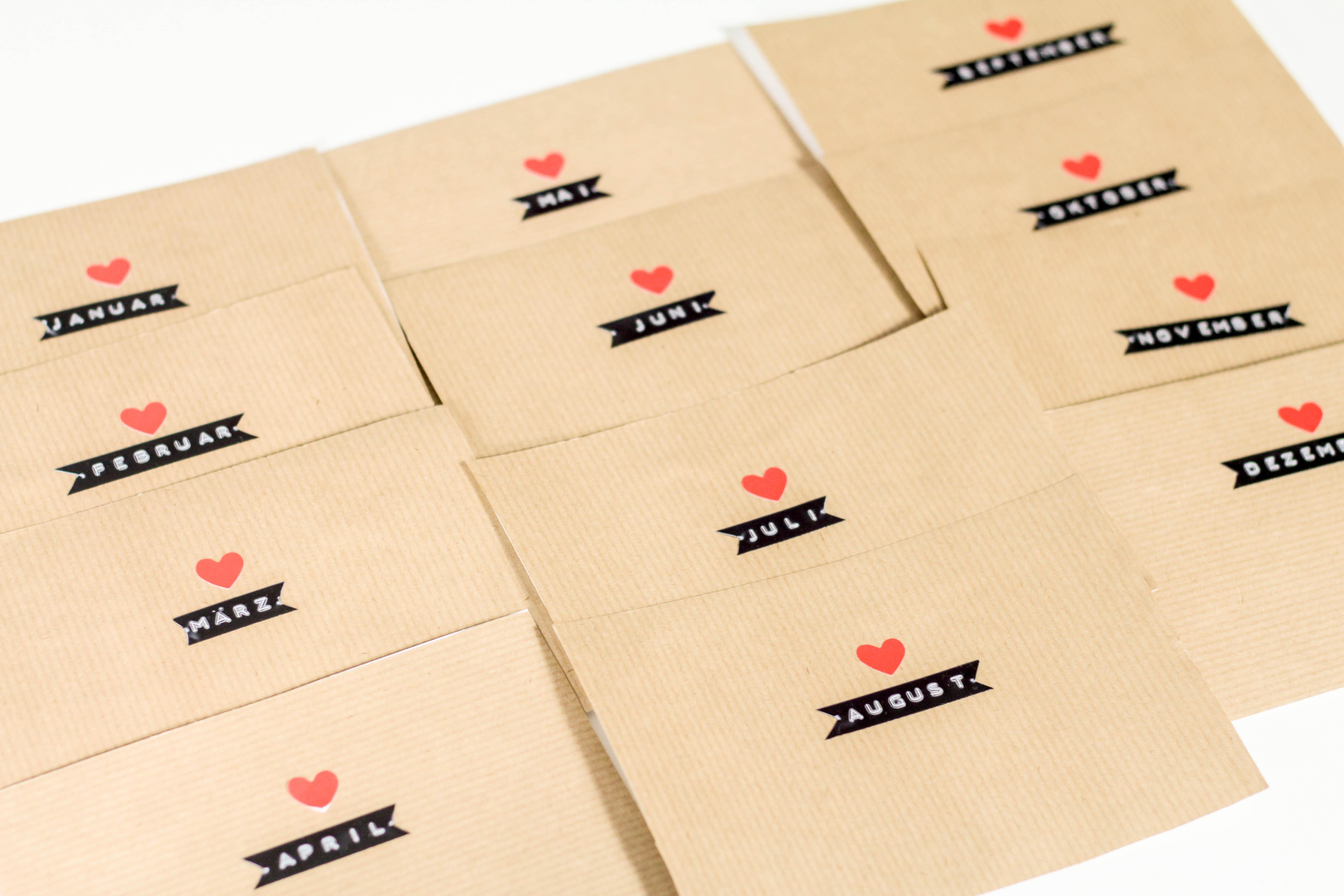 Das perfekte Geschenk für Paare – A year of Dates in a Box DIY auf ...