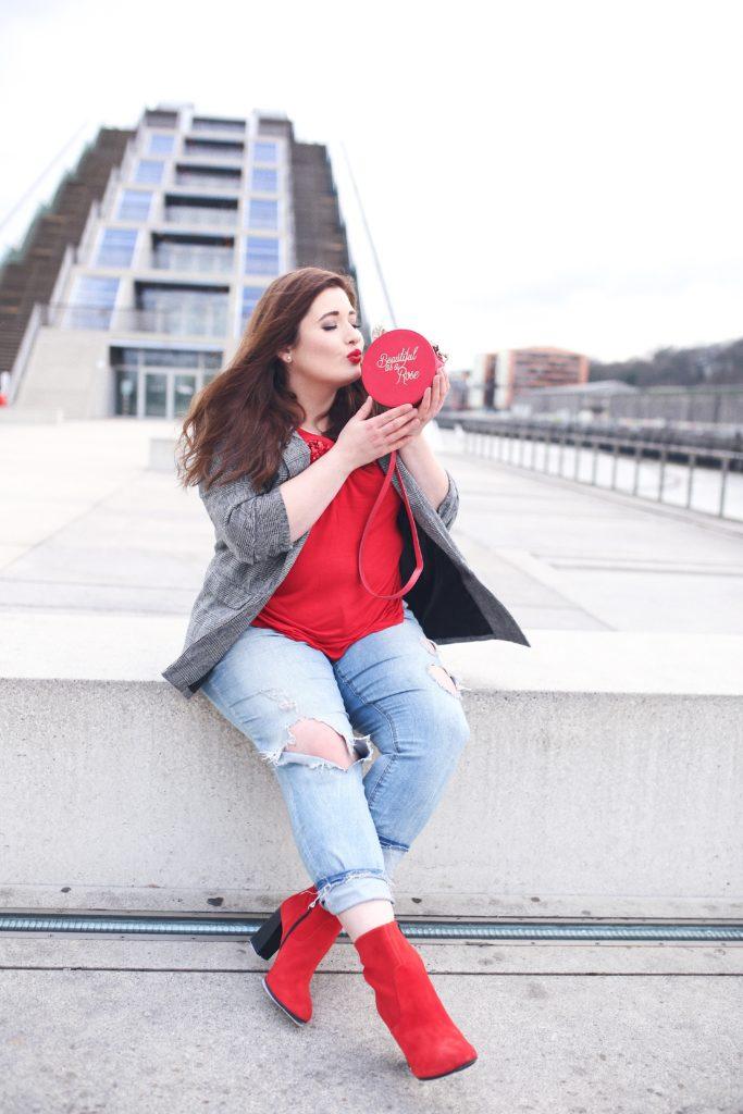 Plus_Size_Fashion_Das_perfekte_Valentinstags_Outfit_kurvige_Frau_Curvy_Blogger_Hamburg_Lifestyle_Blog_Inspiration