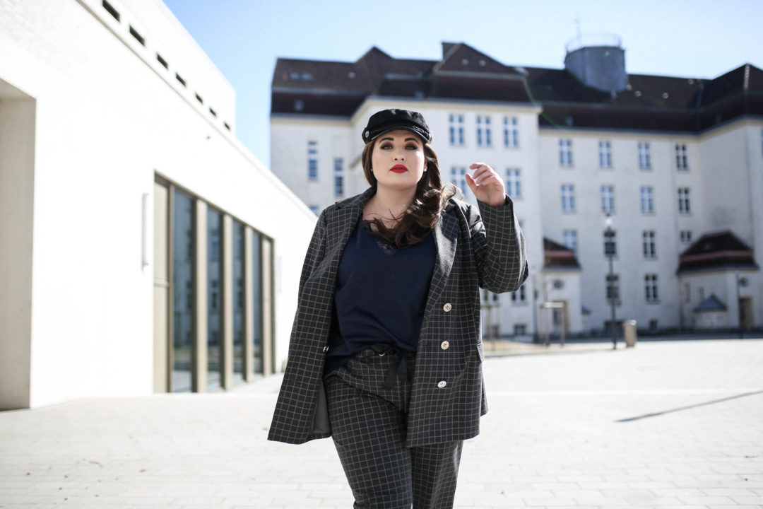 Navabi_Trend_Hosenanzug_Plus_Size_Fashion_Blog_Plus_Size_Model_Hamburg_erfolgreich_blogger_Kollektion_design