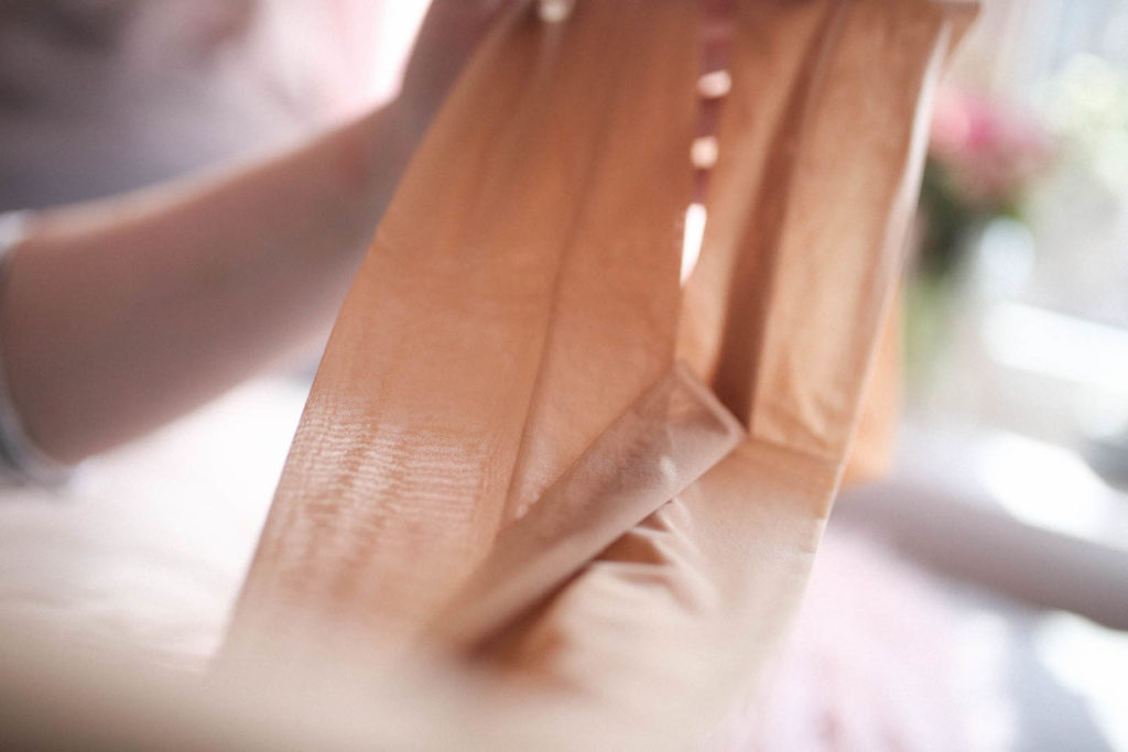 Die perfekte Strumpfhose für kurvige Frauen! I Falke