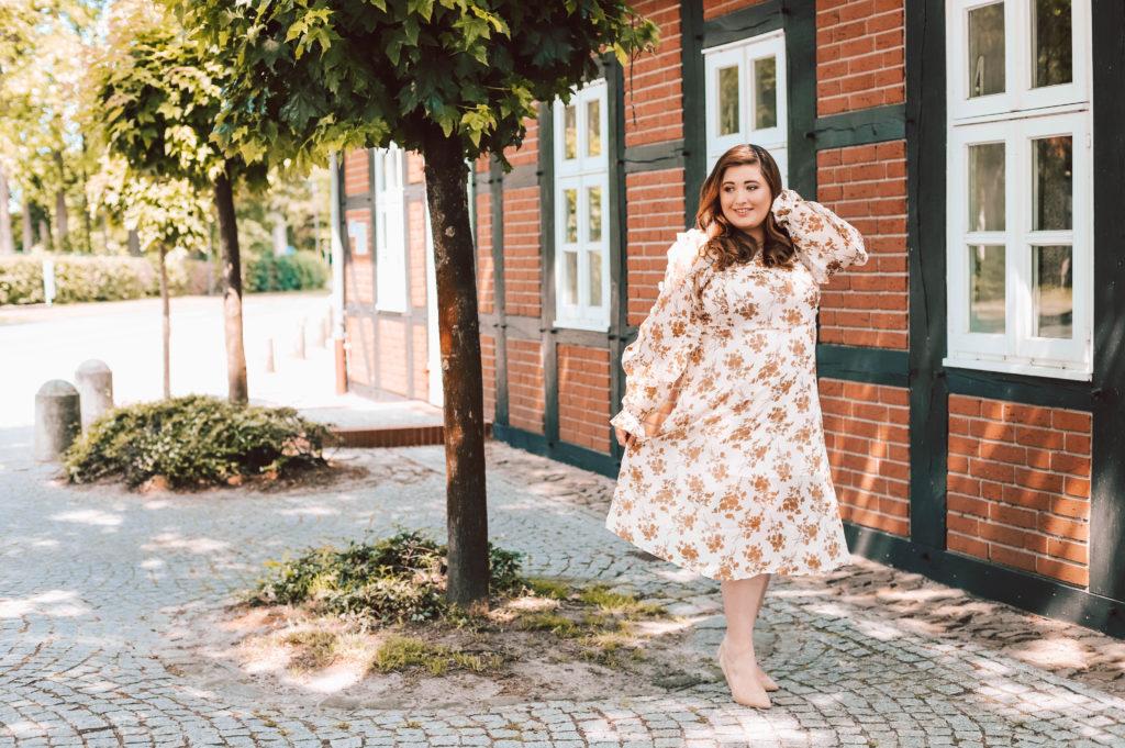 Die schönsten Plus Size Hochzeitsgast Kleider ...