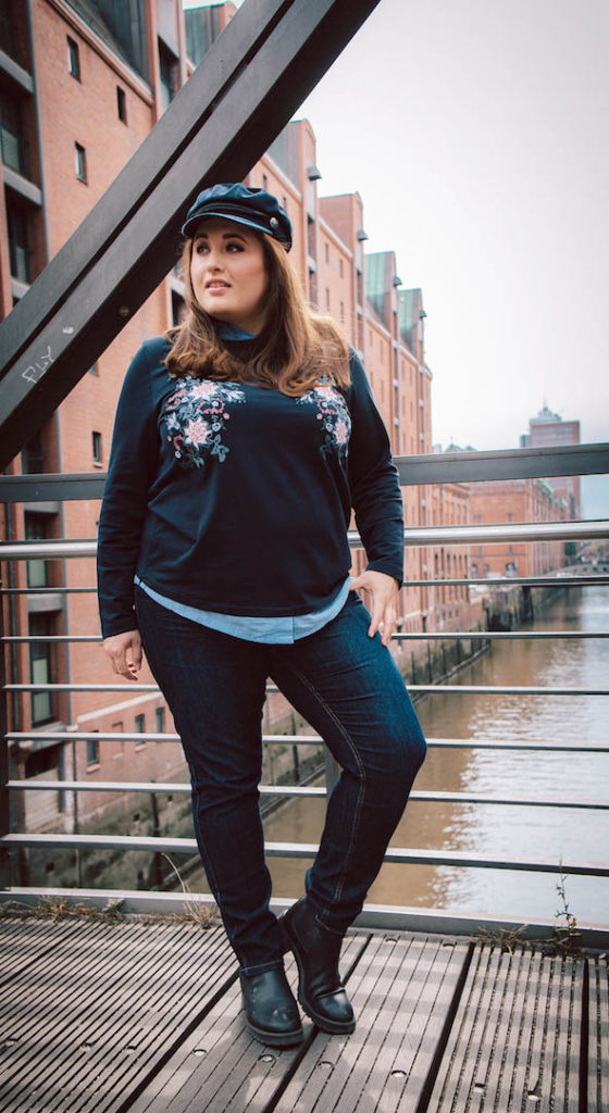 Moodbilder Plus Size Model Hafen Hamburg